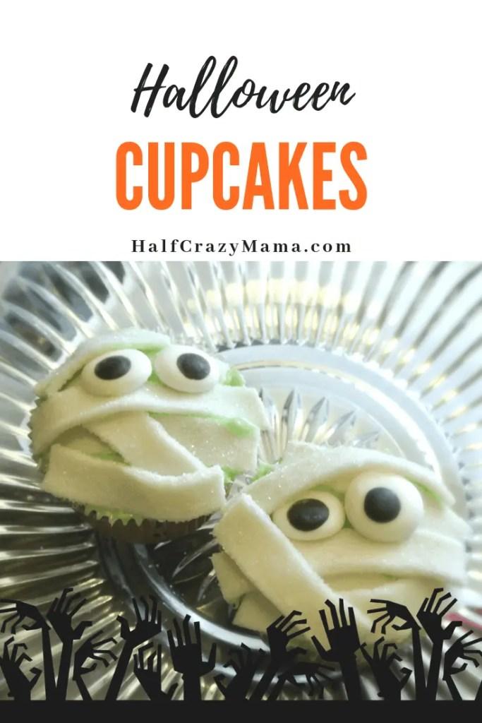 DIY Creative Halloween Cupcake Ideas that are simple and easy. | Creative Halloween Cupcakes | DIY Halloween Cupcakes | Halloween Cupcake Ideas | Mummy Halloween Cupcakes #HalloweenParty #HalloweenDessert