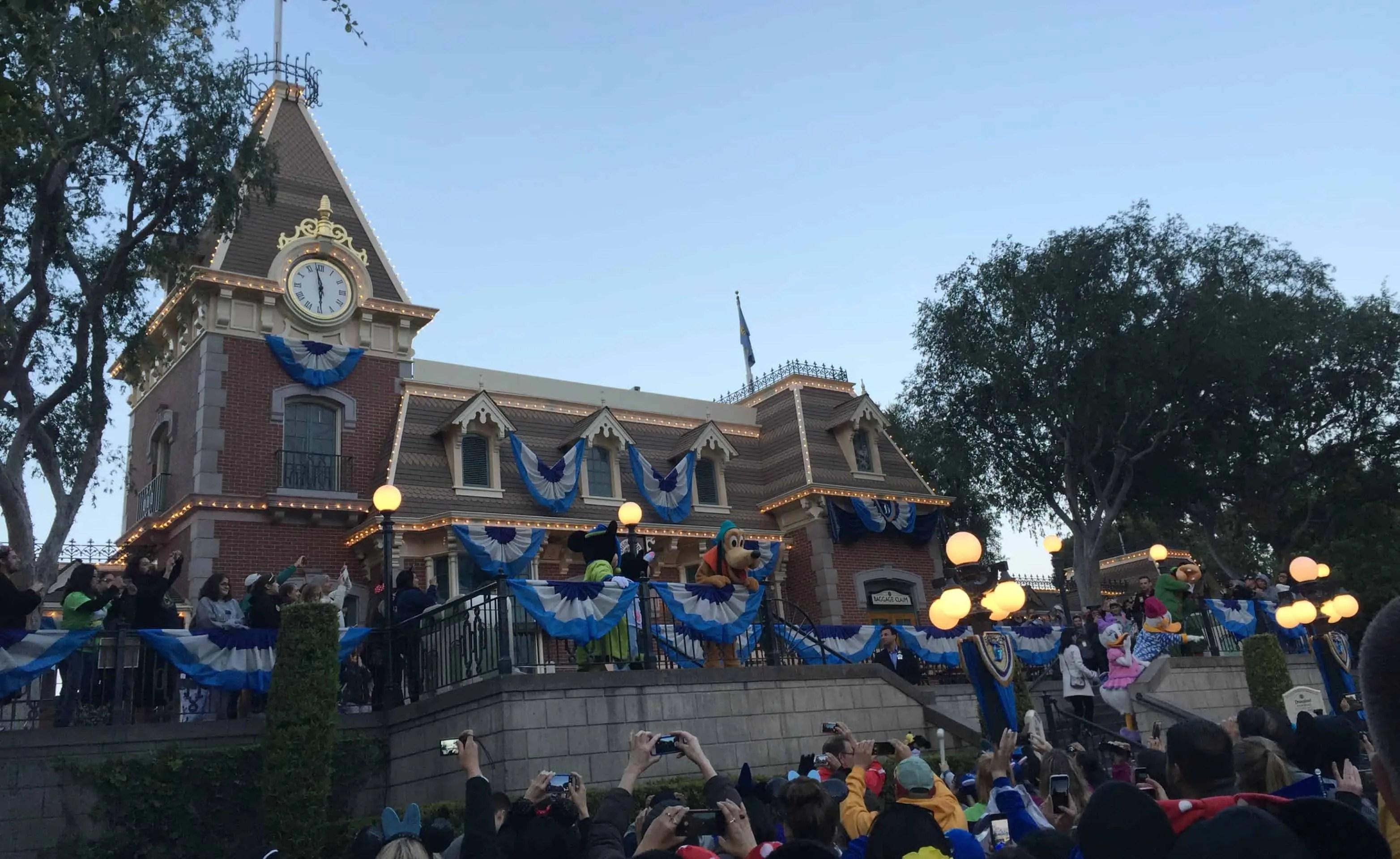 Disneyland_closing_ceremony