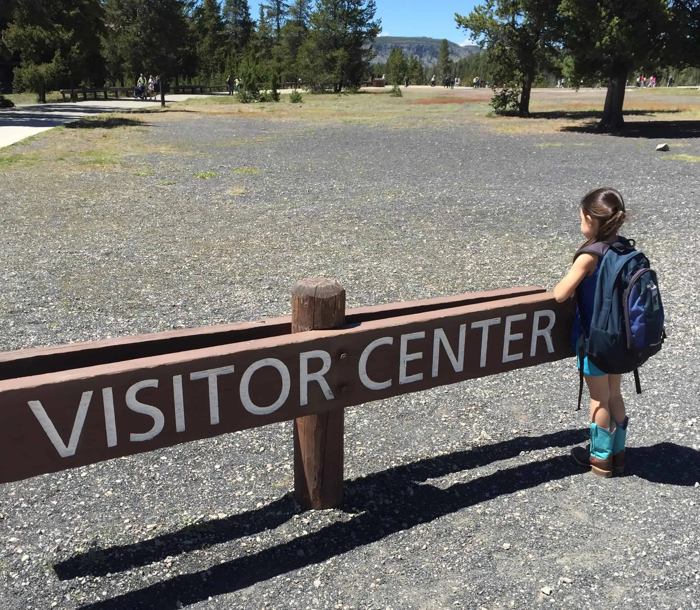 old_faithful_visitor_center_young_scientist
