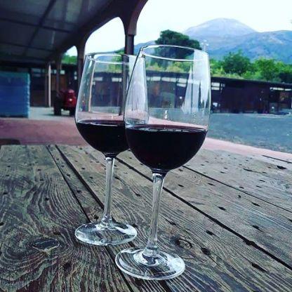 Italiaanse rode wijn Campania berg