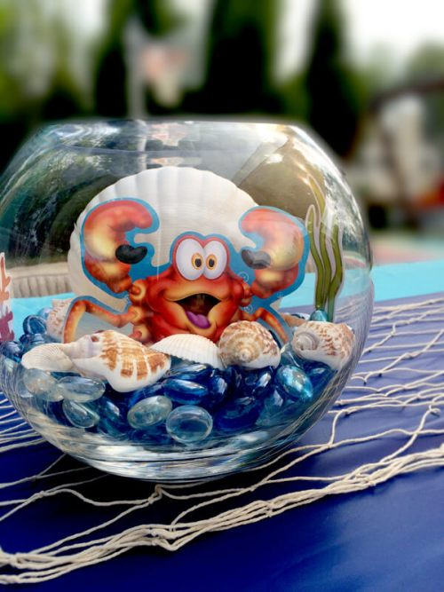 Mini-Oscars: The best children's movies of 2016 voted on by children | Halfpint Design - this under the sea crab centerpiece is a fun addition to the tablescape