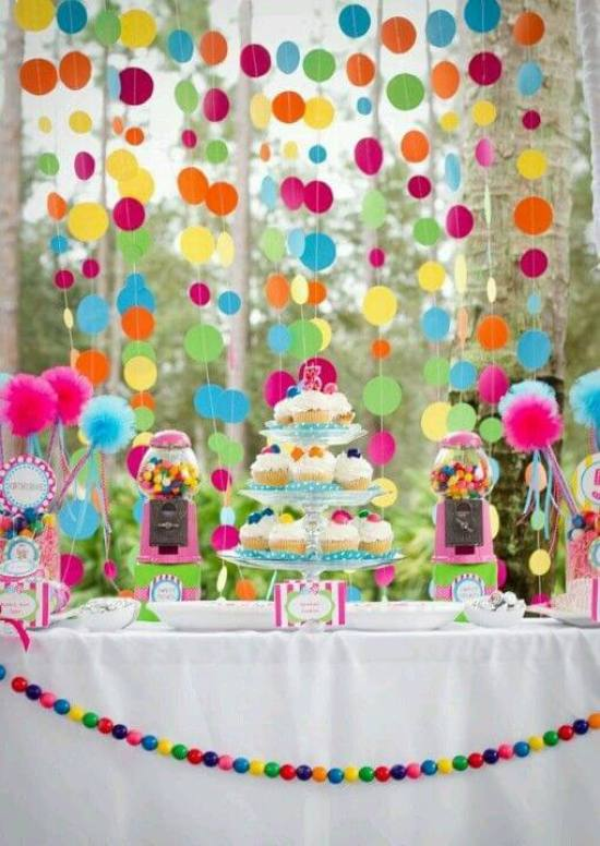 Loving the polka dots! No theme party with pattern and color. Pattern Party Trend | Halfpint Design - Trend Spotting, color trends, party trends