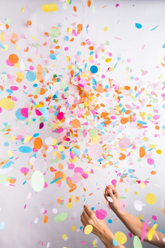 "Confetti balloons are seriously the BEST! Can you imagine how fun that will be at your next event!? Top party trends of 2017: Have a ""No theme"" party with pattern and color. Pattern Party Trend 