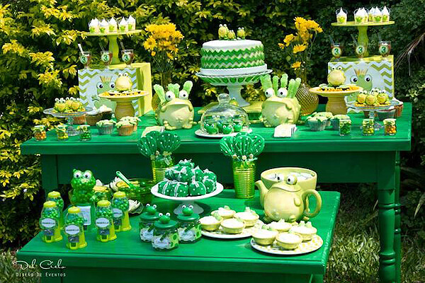 Frog party. Greenery Inspired Parties   Halfpint Design - this frog table has such a great green and yellow color scheme. Perfect for a Princess and the Frog party, or a Frog Pond party