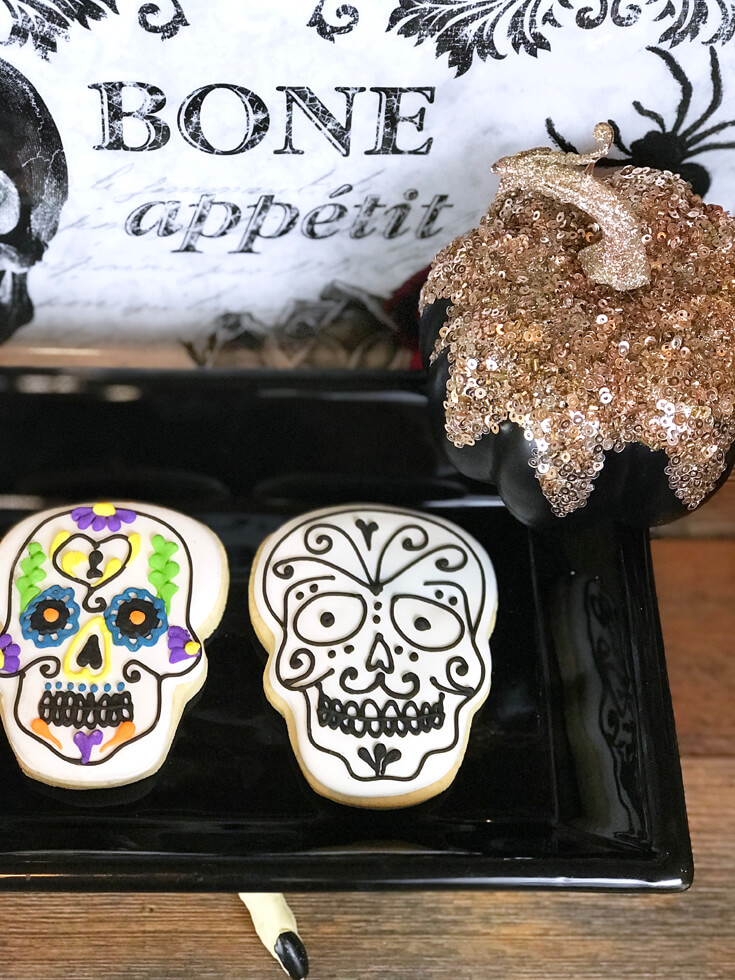 Cookies are a must have at any party and these gorgeous sugar skull sugar cookies are worth dying for! Coco Viewing Party Tips at Halfpint Design. Day of the Dead Party, Dia de los Muertos, Coco birthday party