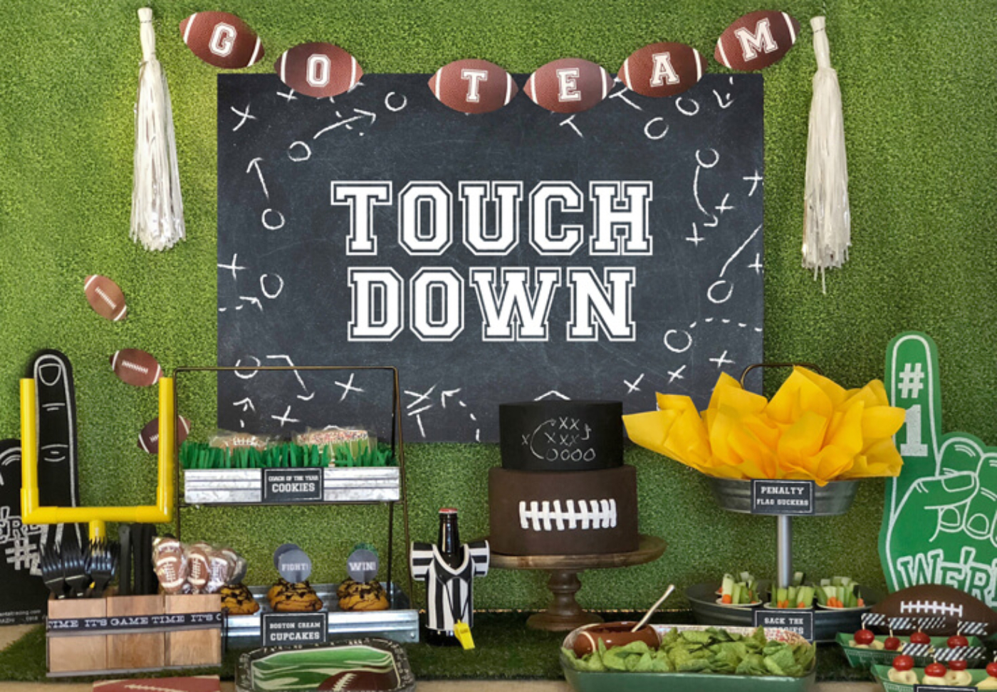 Ready for the BIG GAME? This Football party plan is now available on Enjoius. Recreate this food buffet with simple set up instructions, printables, and everything you need for the perfect super bowl party! Designed by Halfpint Design. Football birthday.