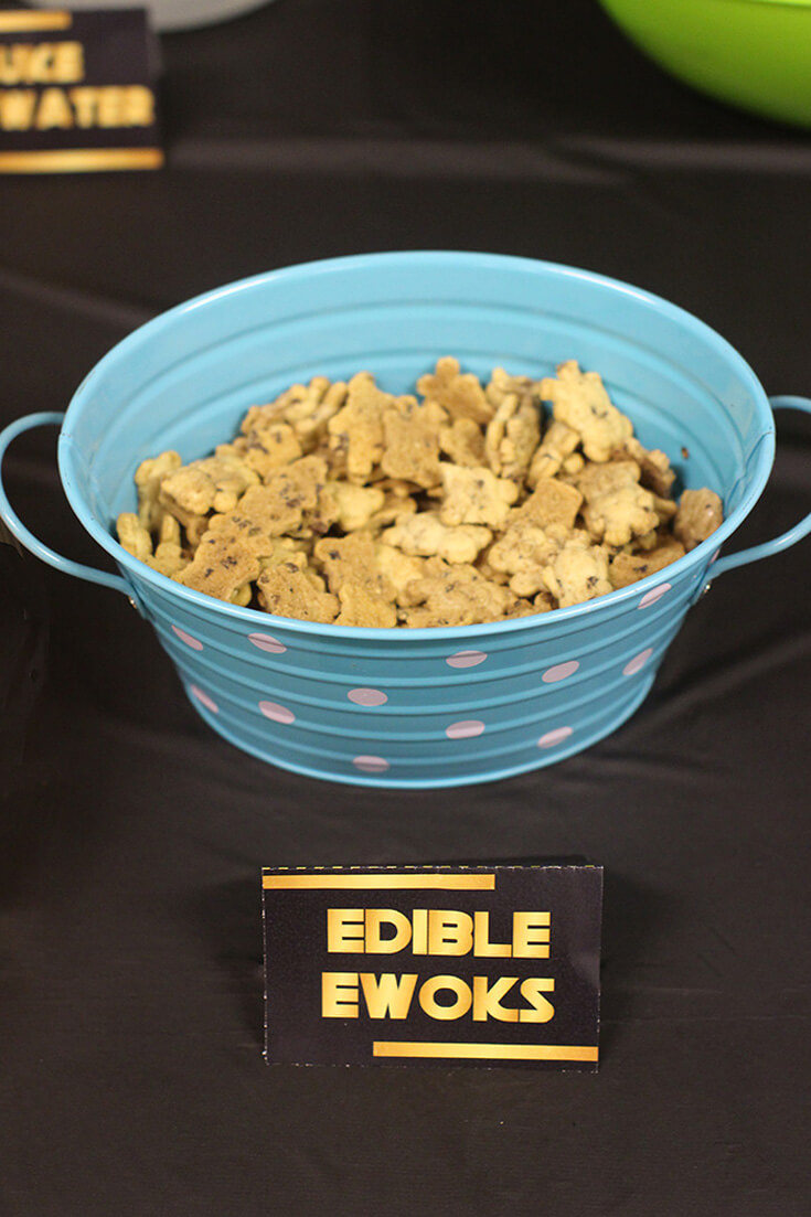 "Bowl of Teddy Grahams with food label ""edible Ewoks"" for Star Wars Birthday Party"