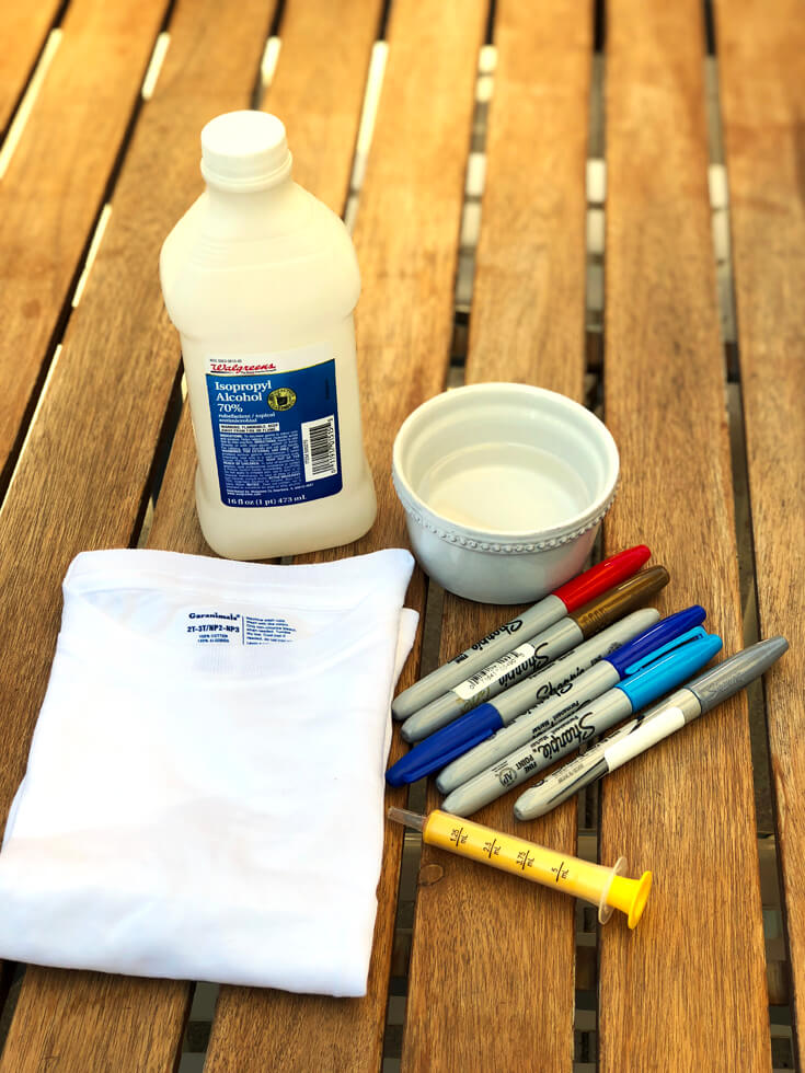 Sharpie t-shirt making supplies for the perfect kid's party craft