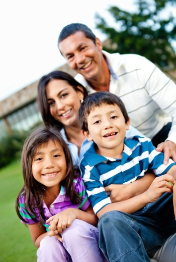 create a strong sibling bond | family relationships | siblings | sibling bond | family | families | sibling relationships | relationships | parenting | parenting tips