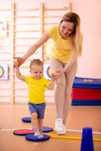 As parents, we want our children to develop the best they can. These toddler games will help develop their coordination.