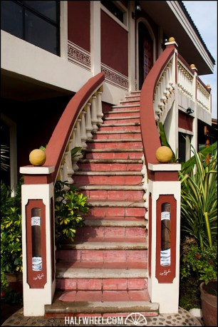 Cigar Safari stairs.