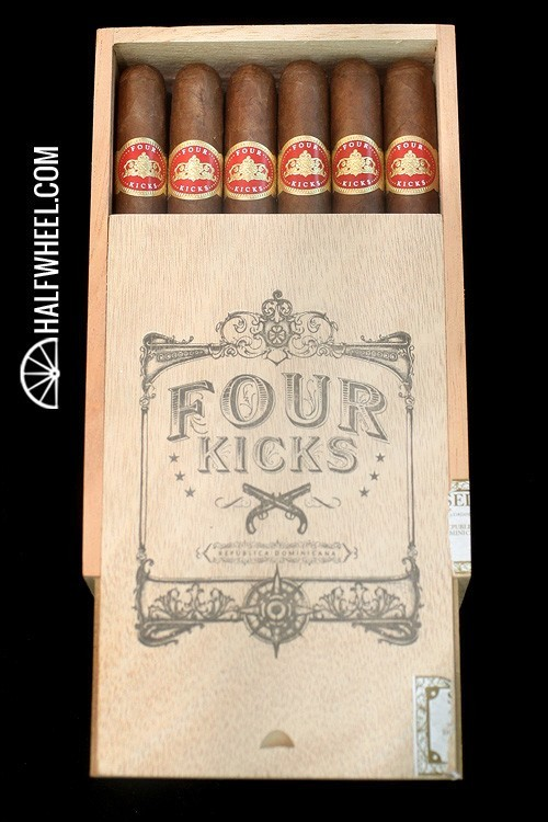 Four Kicks Seleccion No.5 Box 2