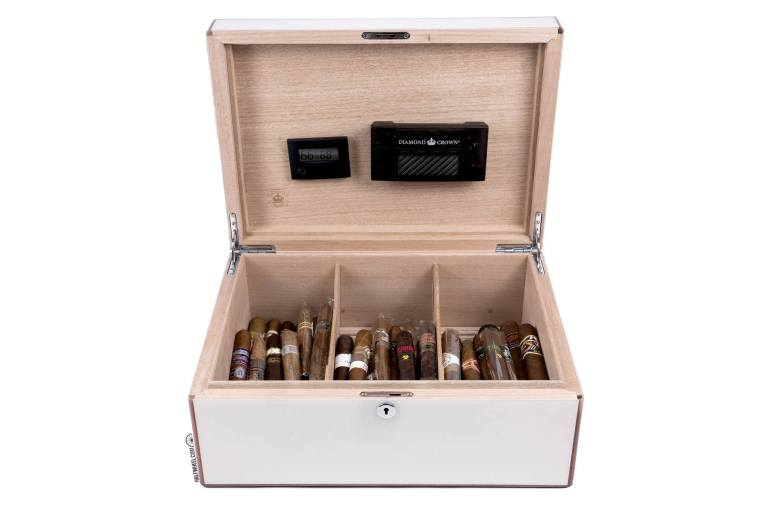Diamond Crown St. James Peabody Humidor-open front