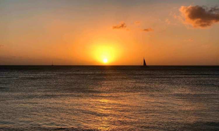 Sunset catamaran sail Waikiki