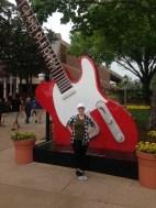 grand ole opry guitar selfie
