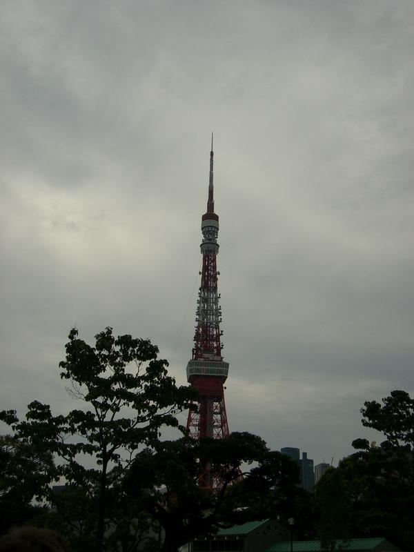 Tokyo Tower - Regenzeit