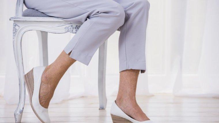 Moms, Ini Memilih Sepatu Kantor untuk Ibu Hamil yang Aman