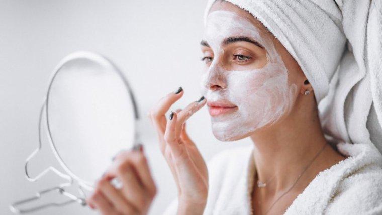 Kandungan Skincare Berbahaya yang Perlu Dihindari