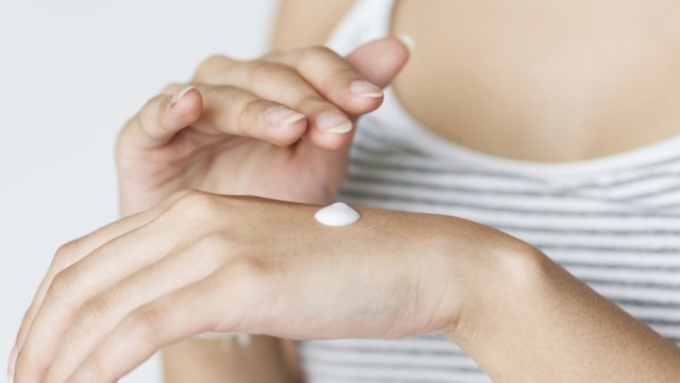5 Bahan Krim Wajah untuk Ibu Hamil yang Aman