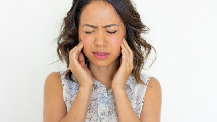 Supaya Nggak Sakit Berkepanjangan, Ini 6 Cara Alami Mengobati Gusi Bengkak