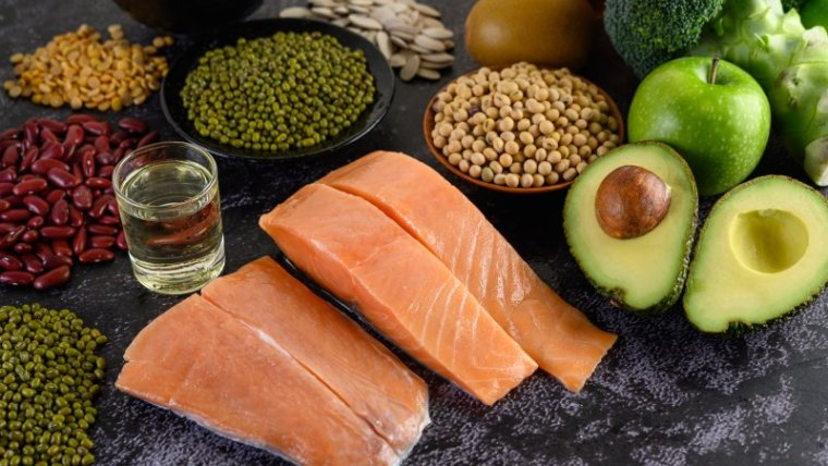 6 Sumber Makanan Penambah Darah untuk Ibu Hamil yang Aman & Sehat