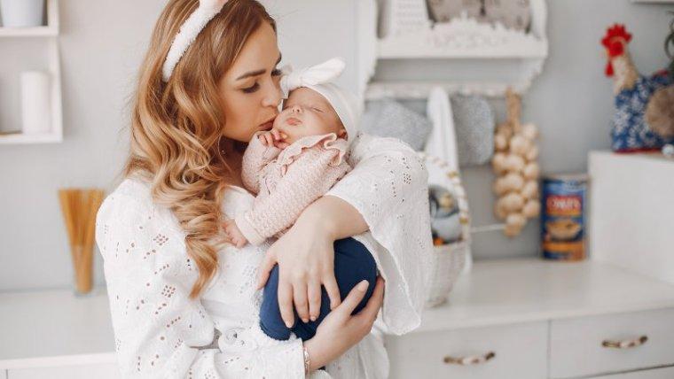 6 Jenis Gendongan Bayi Berdasarkan Usia yang Bisa Moms Pilih