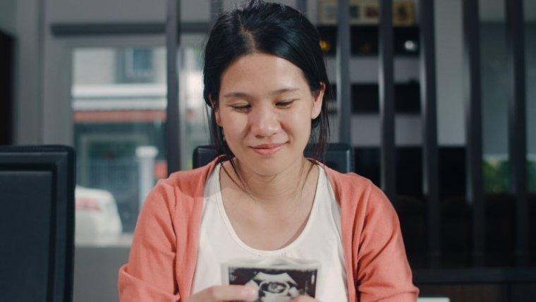 Begini Loh Moms, 3 Cara Membaca USG yang Benar!