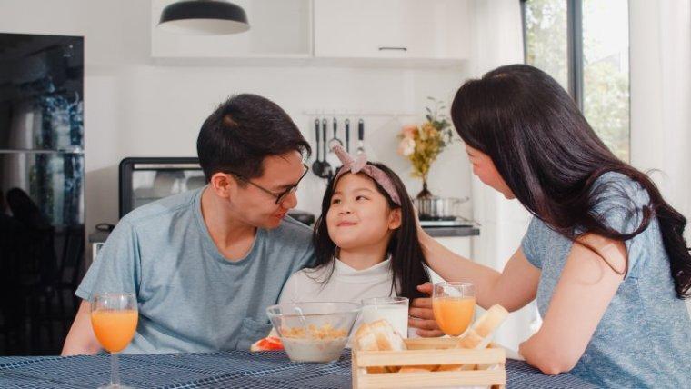 Tips Dekat Anak: Hindari Kesalahan Umum Komunikasi dengan Anak