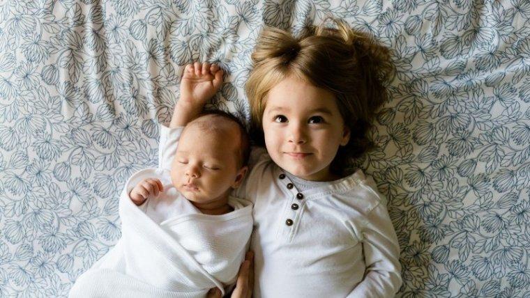 Yuk, Ketahui Perkembangan dan Ukuran Bayi Normal Usia 0-6 Bulan