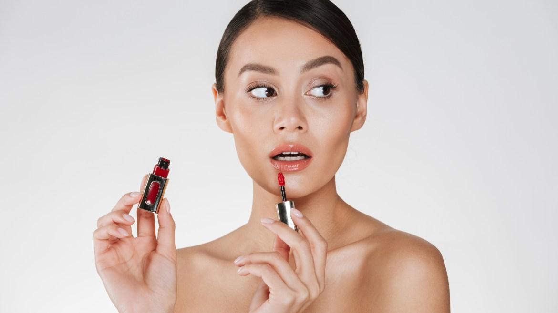 5 Rekomendasi Lip Gloss Lokal yang Bikin Penampilan Makin Segar
