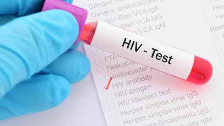 Ketahui Gejala Awal HIV untuk Cegah Penularan pada Bayi