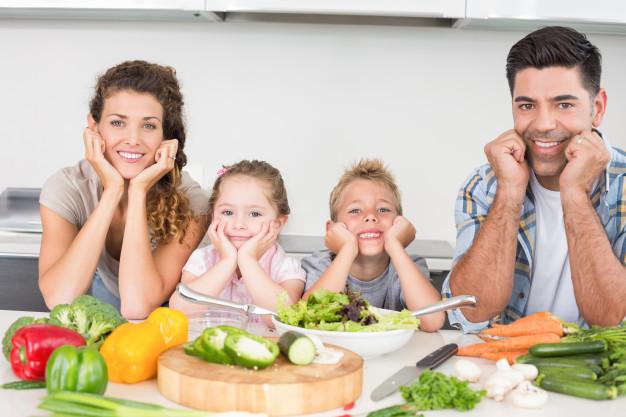 Pola Makan Sehat Bergizi dan Seimbang untuk Keluarga