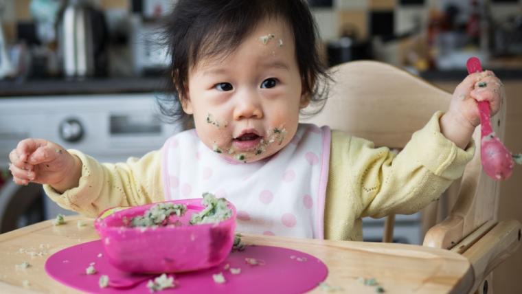 Yuk Moms, Penuhi Gizi Bayi dengan Menu MPASI 8 Bulan Sederhana