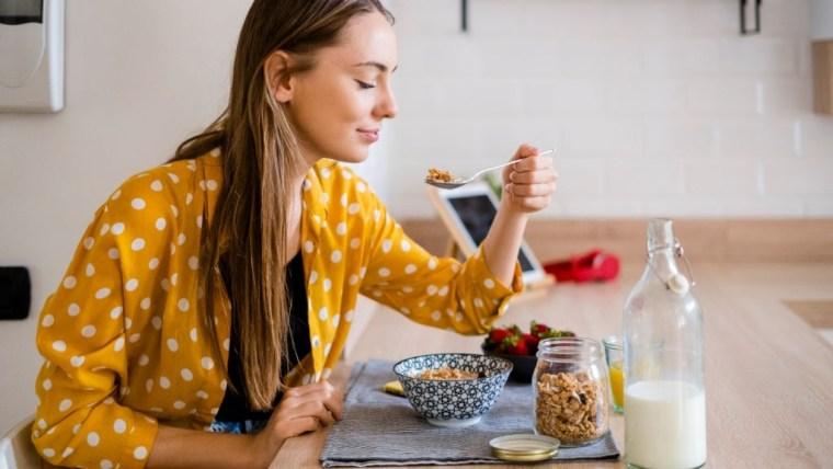 Cara Cepat Hamil dengan Konsumsi 8 Makanan Sehat Ini, Moms Wajib Tahu