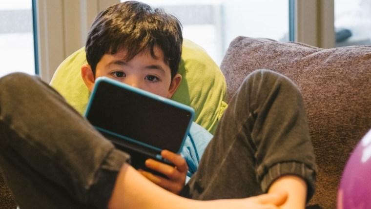 Tips dan Cara Mendidik Anak yang Malas Belajar, Motivasi adalah Kuncinya