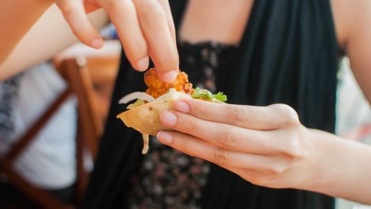 6 Jenis Makanan yang Dilarang untuk Ibu Hamil Trimester Pertama, Wajib Tahu Moms!