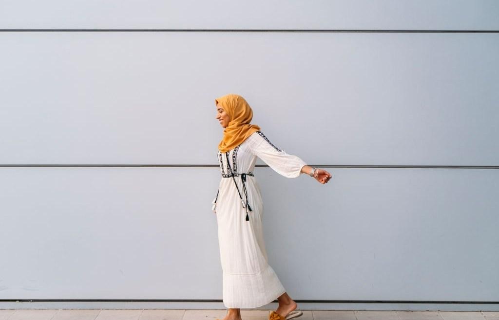 Rekomendasi Pakaian Anti Panas Ibu Hamil Modern Berhijab