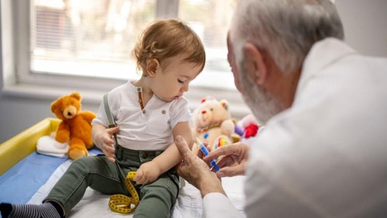 Tahapan Imunisasi Bayi yang Wajib New Moms Ketahui