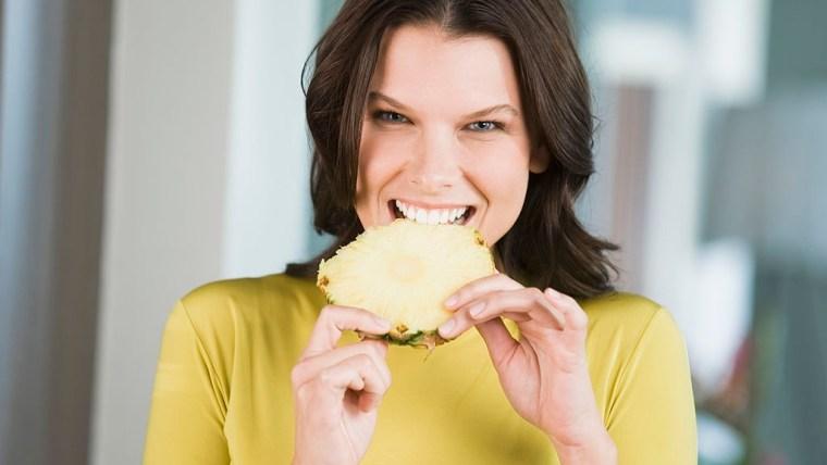 Bolehkah Ibu Hamil Makan Nanas? Cek Faktanya Moms!