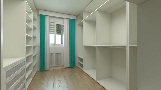 Jaką szafę wnękową wybrać do małego mieszkania?