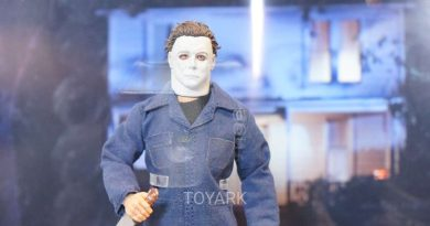Mezco Unveils New Michael Myers Figure at #SDCC!