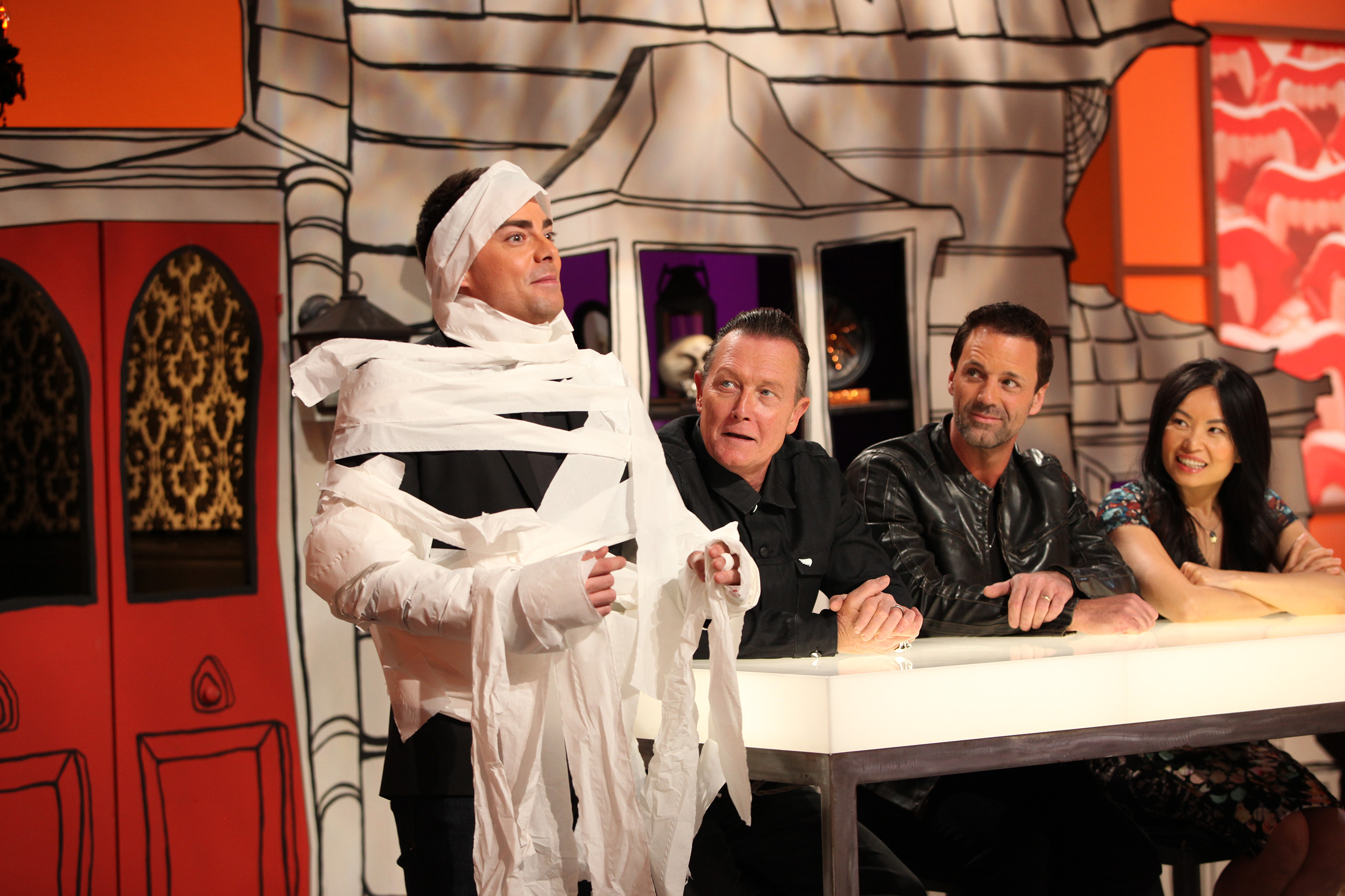 Host Jonathan Bennett with guest judge Robert Patrick and judges Todd Tucker and Shinmin Li on Food Network's 'Halloween Wars'.