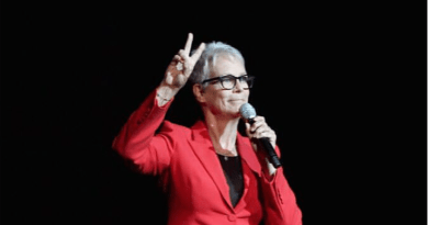 Jamie Lee Curtis Introduces First 'Halloween' Footage at CinemaCon
