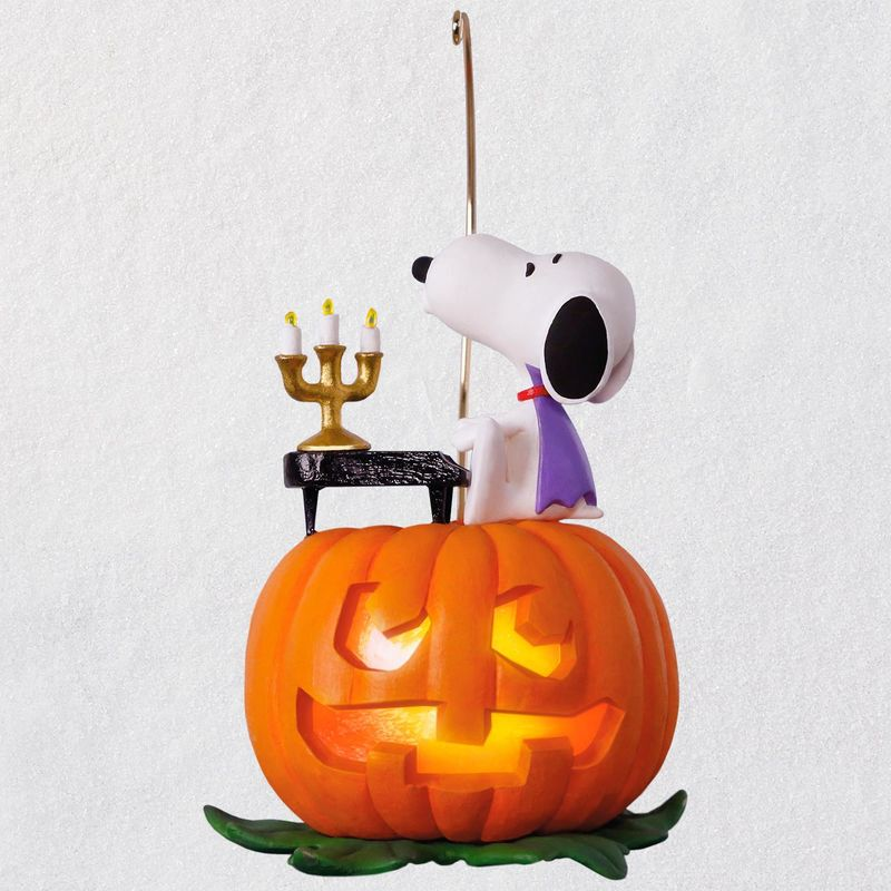 the-peanuts-gang-spooky-snoopy-musical-halloween-ornament-with-light