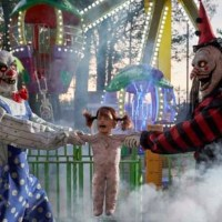 New Animatronic Clowns Play Tug-of-War with a Kid at Spirit Halloween