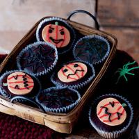 halloween cupcakes pumpkin