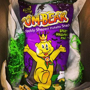 pom bear halloween crisps pickled onion