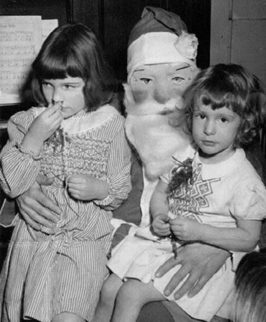 ? the 13 most Disturbing Santa Claus Photos on the Net ? 59