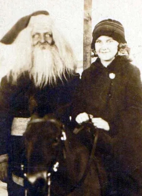 ? the 13 most Disturbing Santa Claus Photos on the Net ? 53