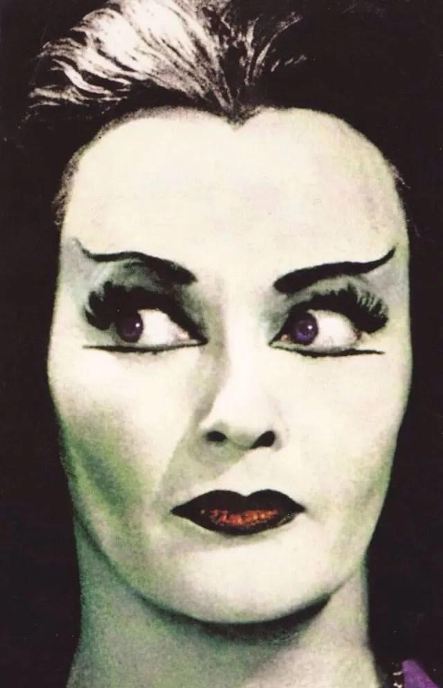 ? Amazing Color Photos of Lily Munster, Yvonne De Carlo 14